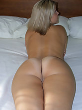 Thousands of hawt huge asses lust you. Photo of huge bum girls and great booty hotties