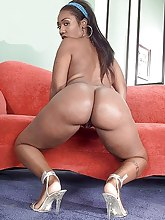 Plump and swarthy african phat booties